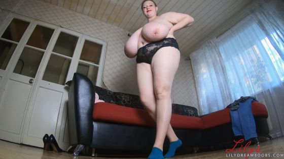 Giantess mom threatening her tiny son 4K